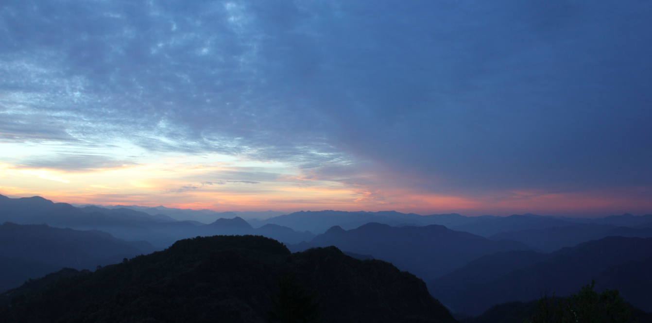 Sunrise at rishikesh green mountains and serene environment-Aakash-Ranison-Travel-Blogging-Road-Trip-Delhi-Rishikesh