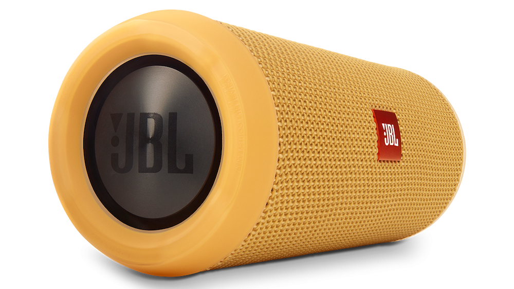 aakash-ranison-solo-indian-traveller-blogger-travel-gear-review-jbl-flip-3-bluetooth-speaker