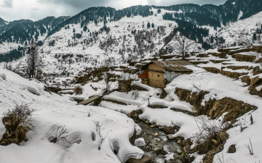 Aakash Ranison Bir Billing Remote Village Snow Winter Himachal Pradesh North India Mountains Himalaya Traveller Blogger Instagram